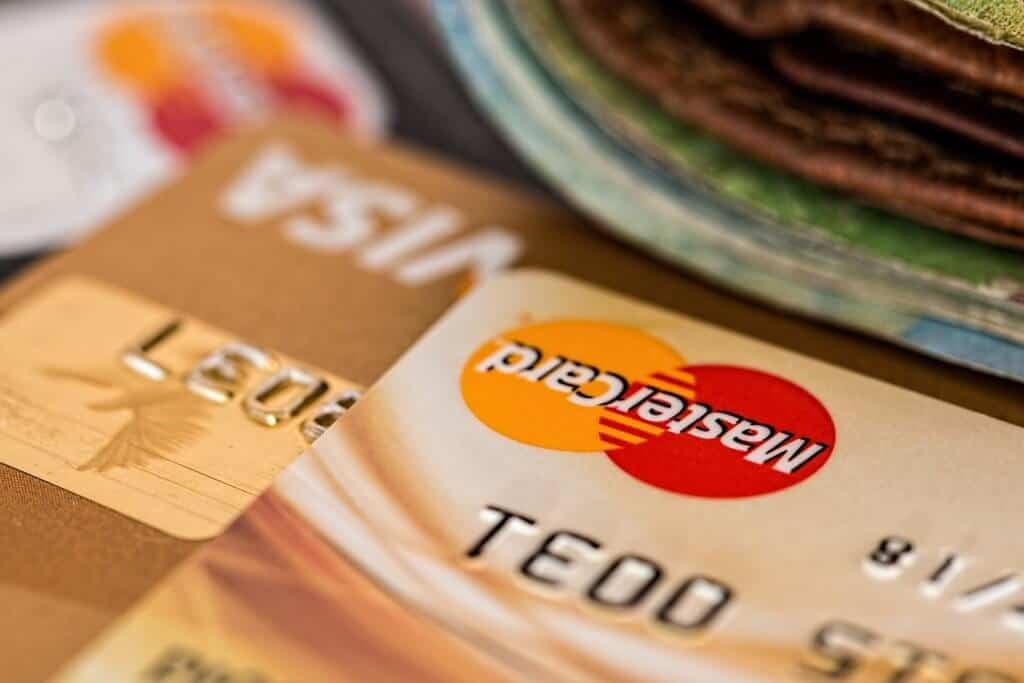 ביטוח בחינם עם כרטיסי האשראי