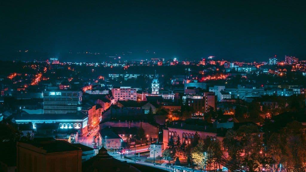 קלוז' נאופקה בלילה