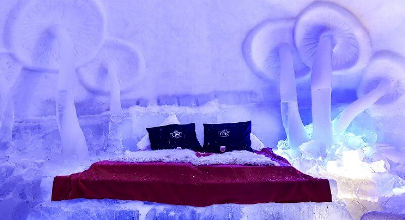 חדר קרח זוגי במלון הקרח ברומניה