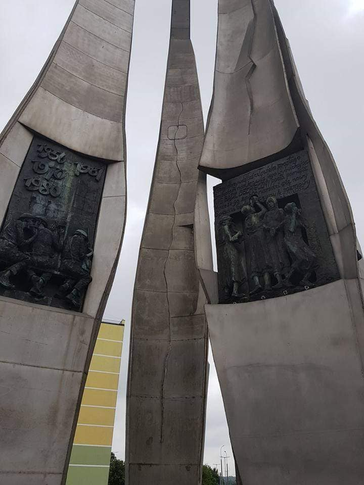 האנדרטה לזכר חללי פועלי המספנות של 1970
