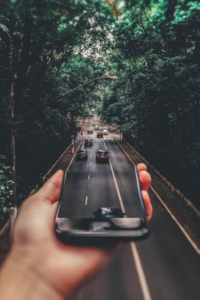רכבים בתוך סמארטפון
