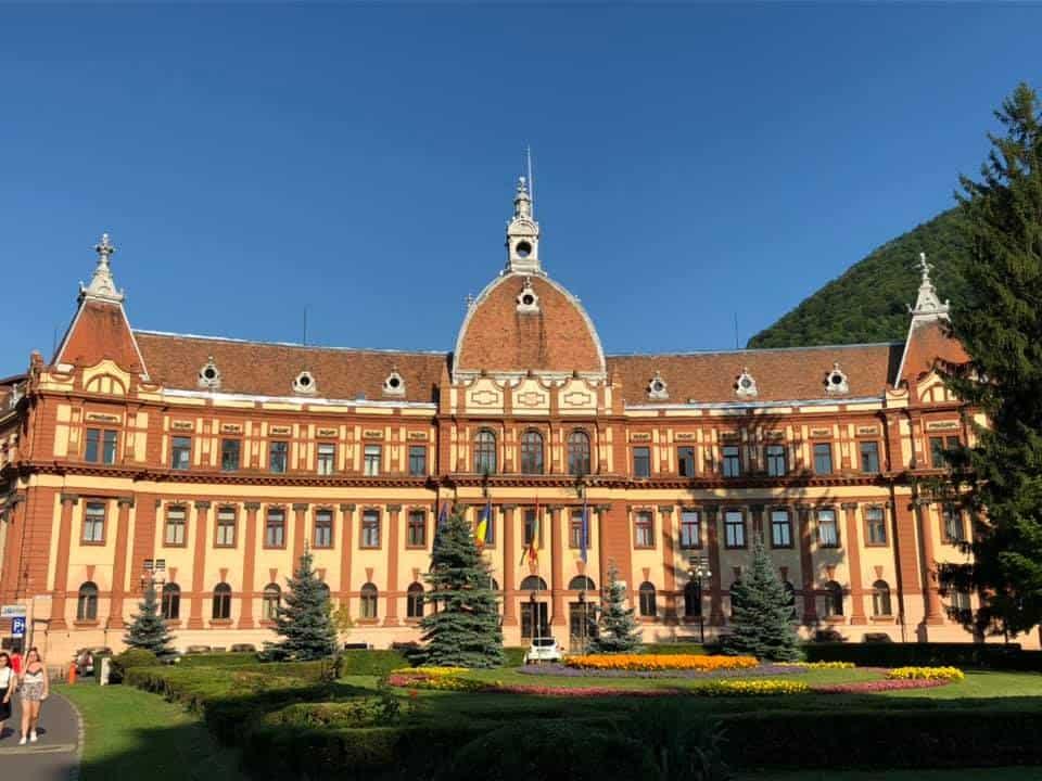 בית העירייה בראסוב