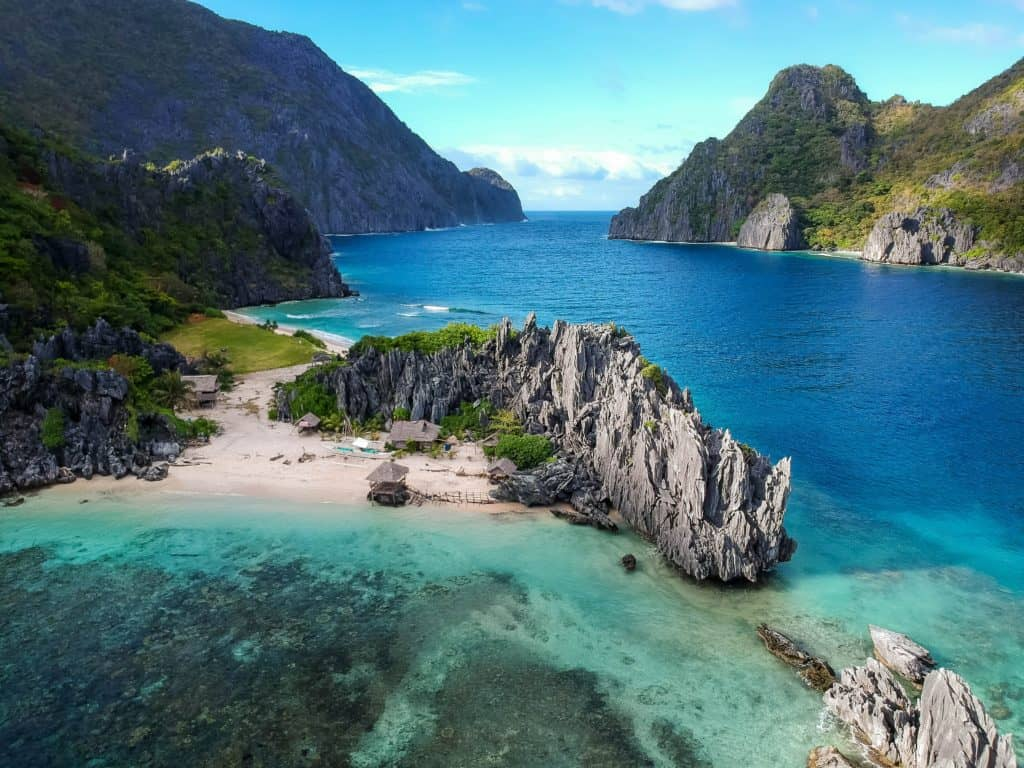 מים כחולים בפיליפינים