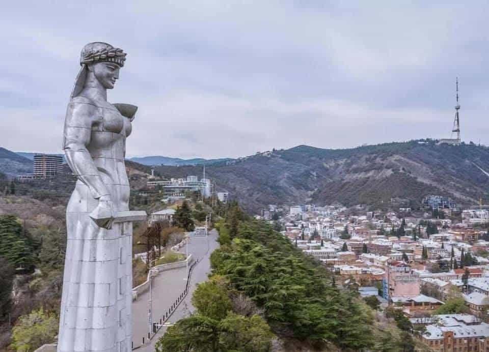 הפסל של כַּרתְוְוליס דֶדָה טביליסי